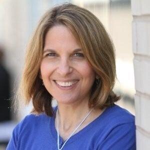 Diane-Schwartz-_Ragan-Communications_-Headshot